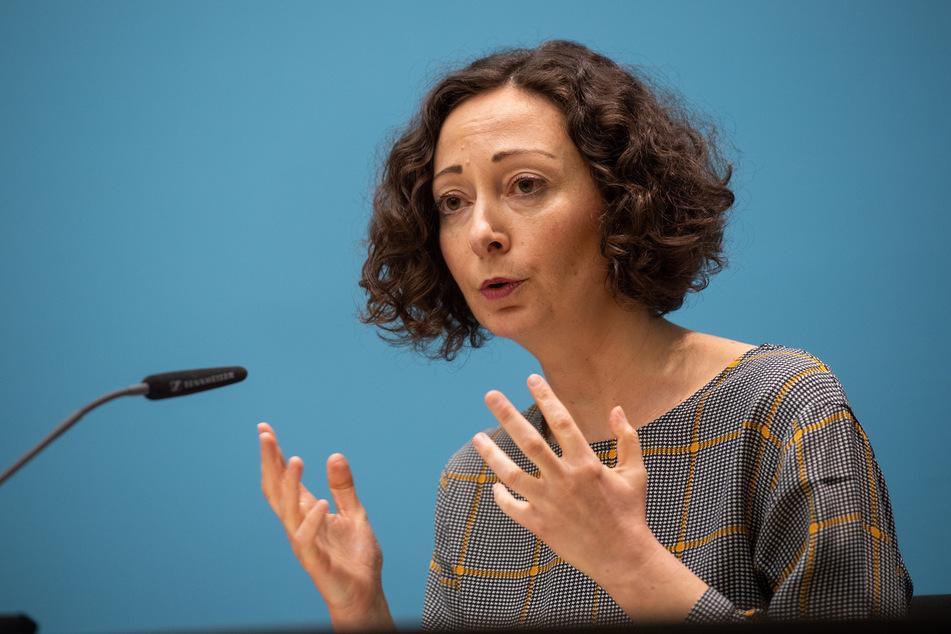 Wirtschaftssenatorin Ramona Pop sieht bei der Frage, welche Geschäfte in Berlin künftig wieder öffnen dürfen, noch Spielraum.