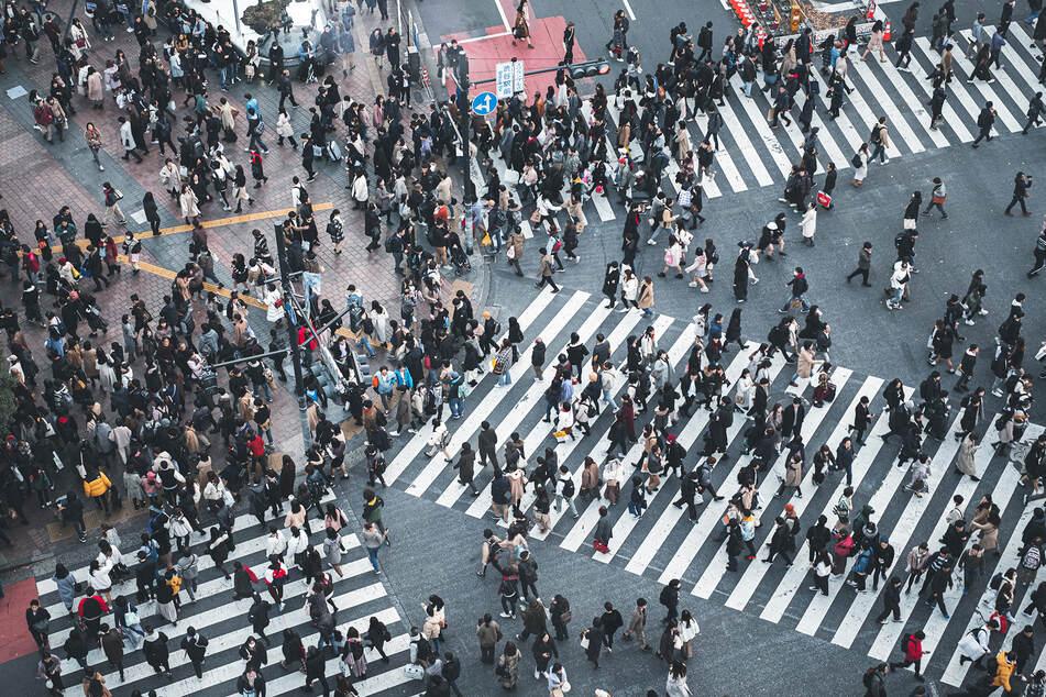 Auf japanischen Kreuzungen stoßen Personen verhältnismäßig oft aneinander. (Symbolbild)