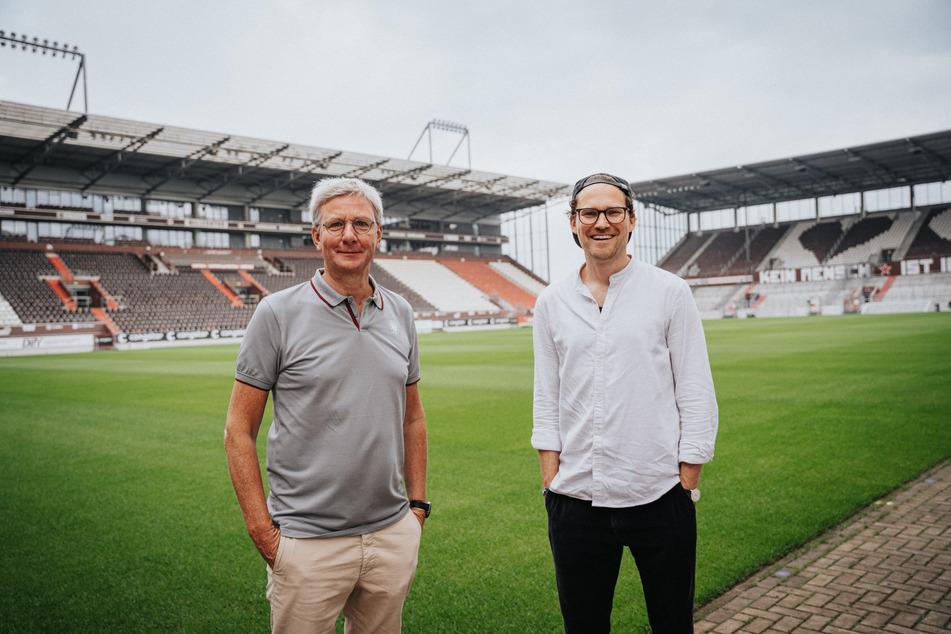 Bernd von Geldern (55, l.), Geschäftsleiter Vertrieb beim FCSP und Jakob Berndt, Co-Gründer von Tomorrow freuen sich auf die zukünftige Zusammenarbeit.
