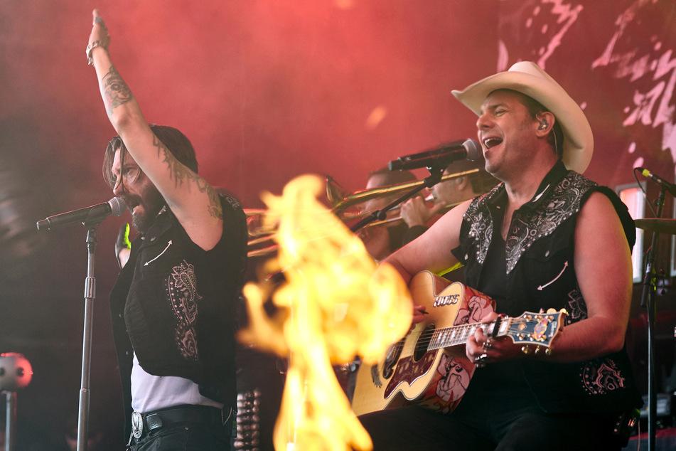 "Sänger Alec «Boss Burns» Völkel (r) und Gitarrist Hoss Power von der Band ""The Boss Hoss"" sollen im September vor 13.000 Live-Zuschauern auftreten."