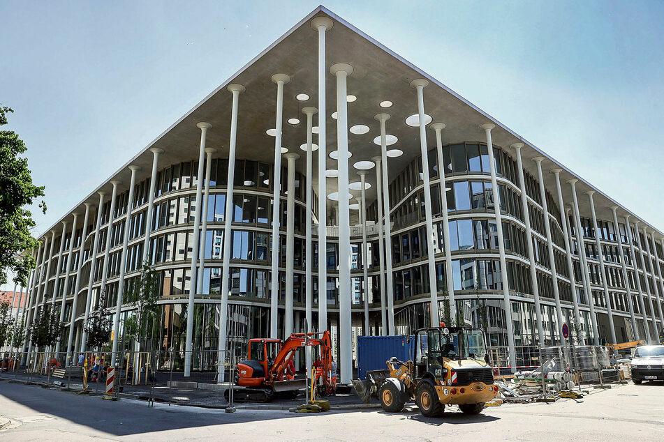 Ein Palast mit vielen Säulen: Rund 165 Millionen Euro hat die neue SAB-Zentrale in Leipzig gekostet.