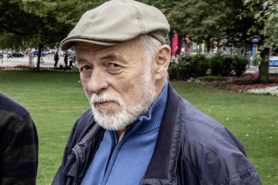 Gert Rehn (75) will das Holzheizkraftwerk mit einer Bürgerinitiative verhindern.