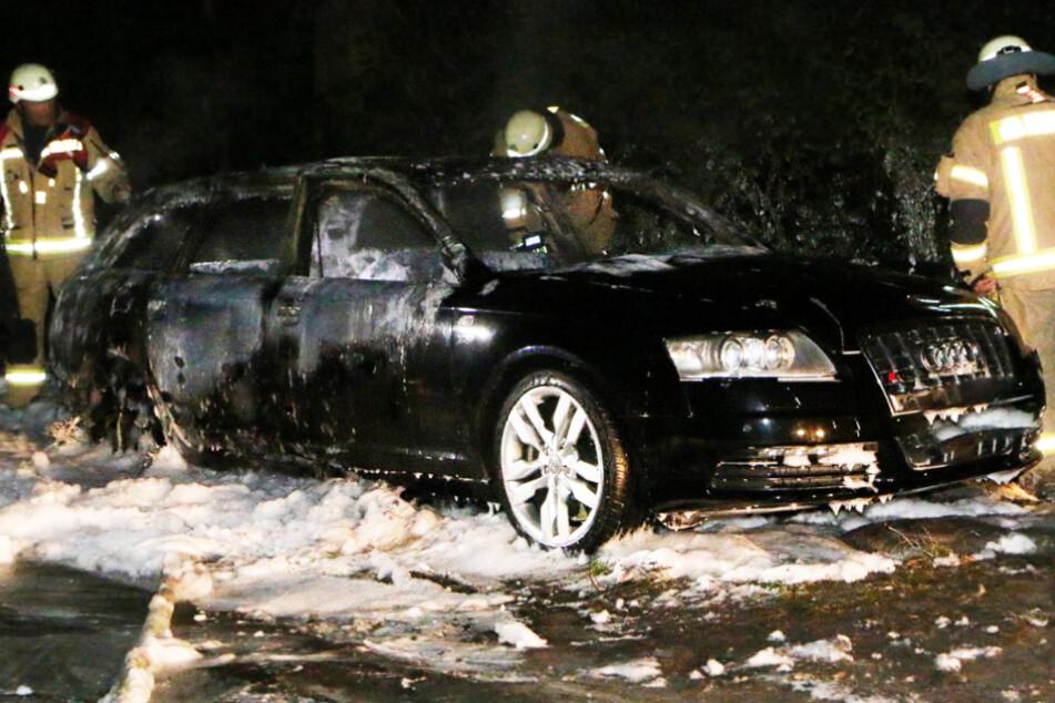 Audi in Britz angezündet: War es der Fluchtwagen der gescheiterten Berliner Bankräuber?