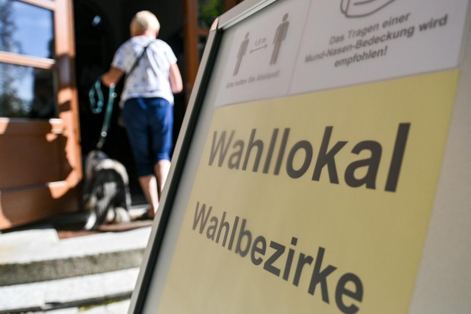 Die Wahllokale sind noch bis 18 Uhr geöffnet.