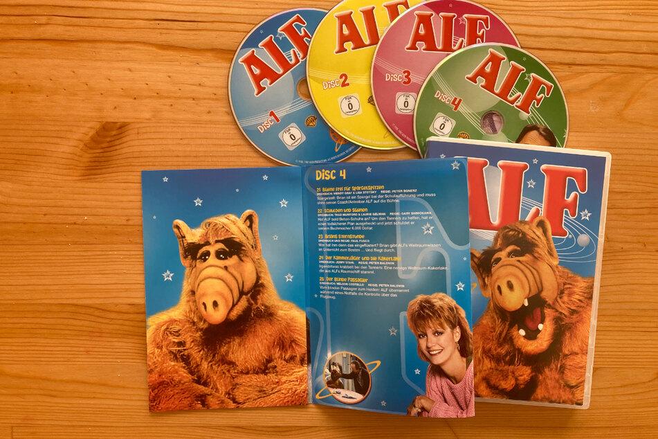 Auch auf DVD, Bluray und auf Streaming-Plattformen können sich Fans des Wuschelwesens die Serie sichern.
