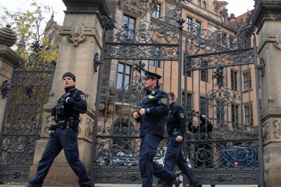 Nach Juwelen-Raub im Grünen Gewölbe: Museen beraten Sicherheit