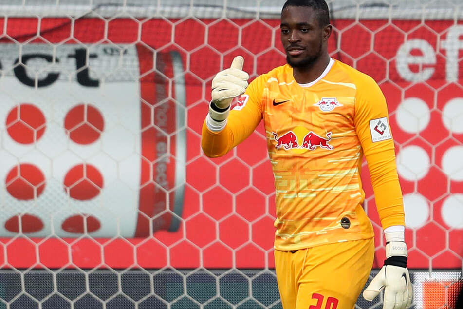 Yvon Mvogo (25) könnte beim Liga-Rivalen FC Schalke 04 anheuern.