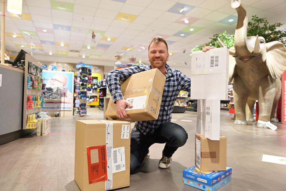Rabattz-Inhaber Carsten Viehweg (39) würde Kunden lieber im Geschäft als im Internet begrüßen.