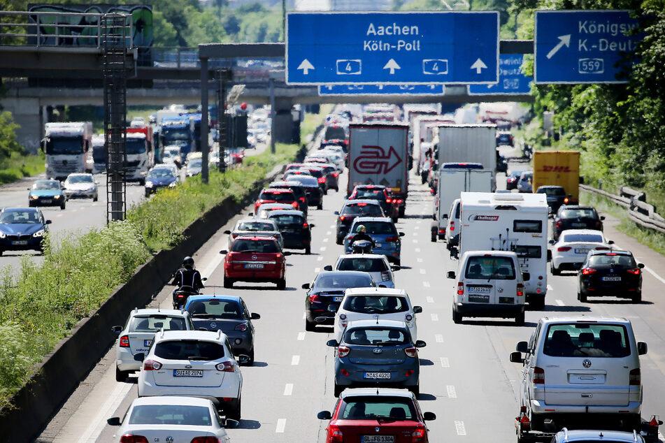 ADAC warnt vor Staus rund um Köln zum Ferienbeginn