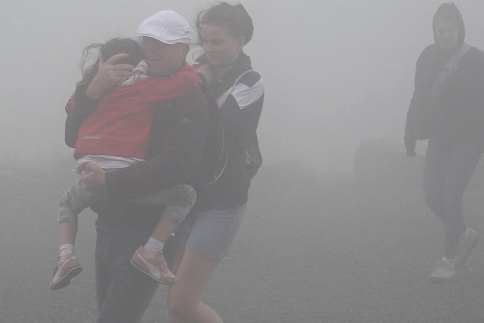 Auf dem Brocken, dem höchsten Berg im Harz, gab es am Sonntag orkanartige Böen.