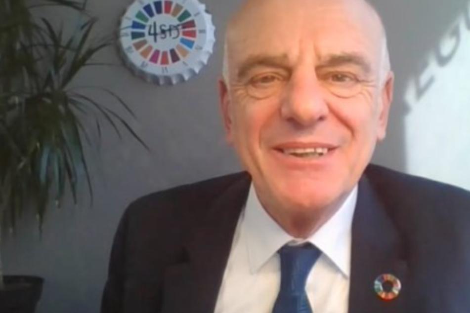 Renommierter WHO-Arzt stellt Effektivität von Lockdowns in Frage