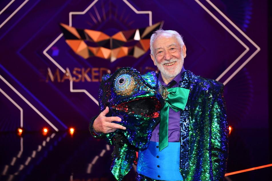 """Er fühlt sich in so vielen Rollen wohl: Dieter Hallervorden (86) hat bei """"The Masked Singer"""" scheinbar wieder Gefallen am Gesang gefunden."""