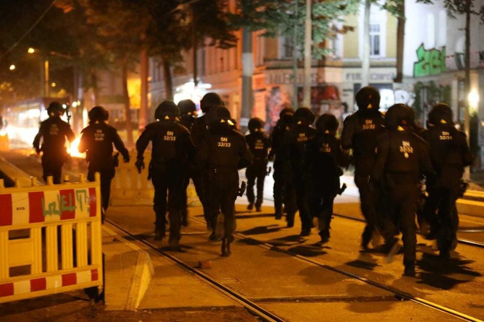 Die Beamten waren gezwungen Reizgas gegen die Aktivisten einzusetzen.