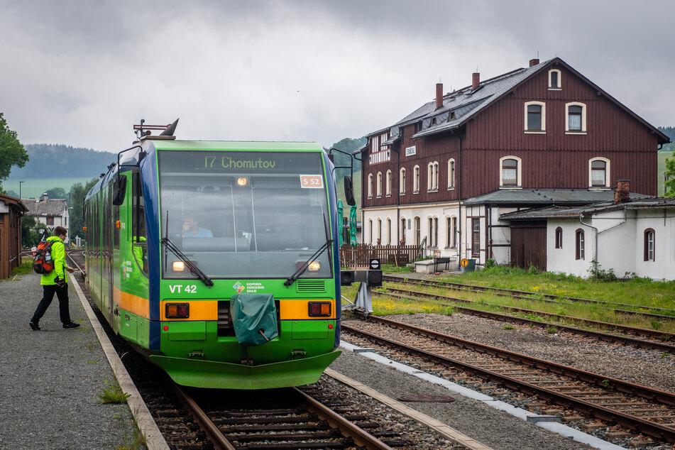 Schnell und bequem zum Wandern oder Radeln nach Tschechien: Das macht an Wochenenden die Länderbahn möglich.