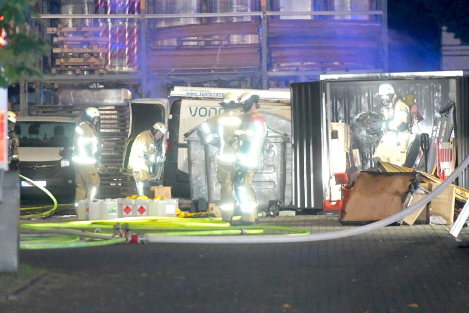 Brandanschlag auf Vonovia: Zwei Transporter in Flammen!