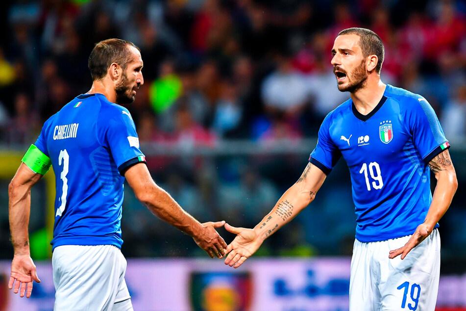 Lassen Italiens Abwehr-Routiniers Giorgio Chiellini (36, l.) und Leonardo Bonucci (34) auch gegen England nichts zu?