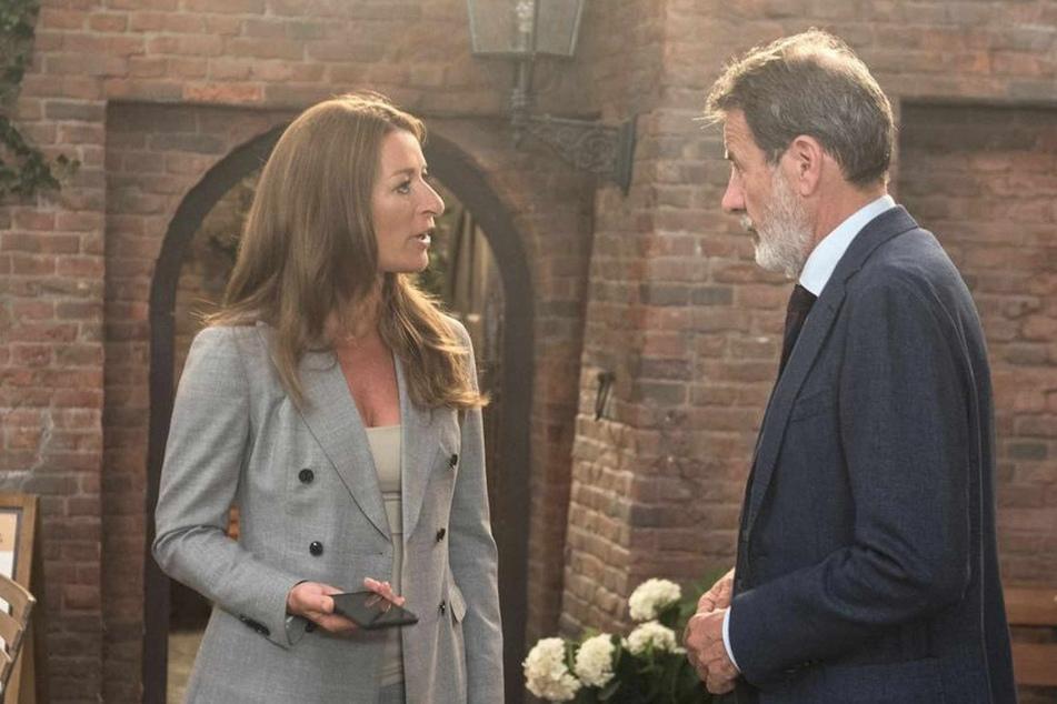 Carla und Gunter sind fassungslos, als die Staatsanwaltschaft alle Aktivitäten um Gregors Nachlass stoppt.