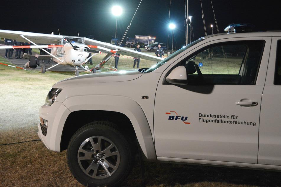 Menschliches Versagen? Mutter und ihre zwei Kinder von landendem Flugzeug getötet
