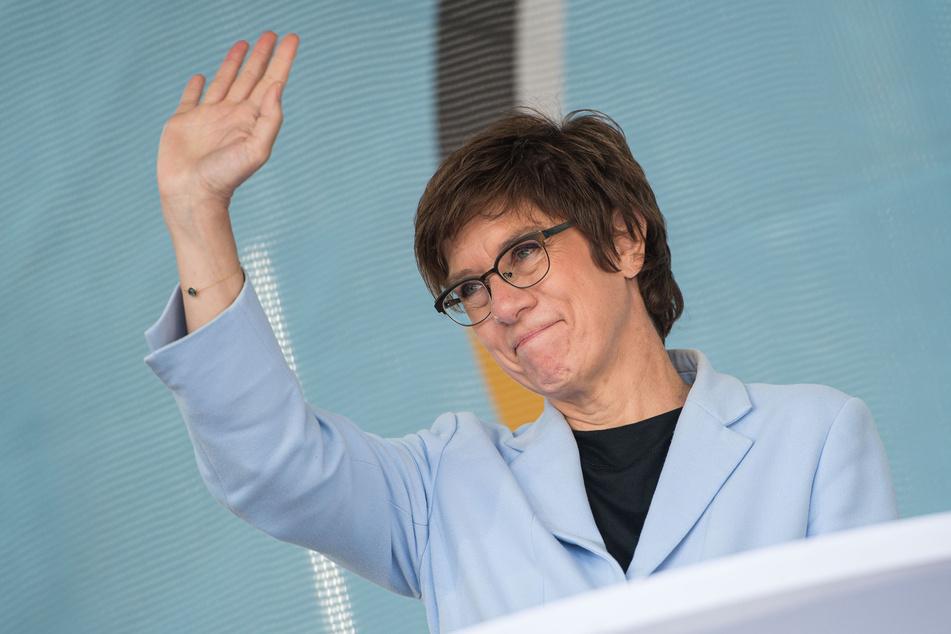 """Verteidigungsministerin Annegret Kramp-Karrenbauer (59, CDU): """"Der Einsatz in Afghanistan war richtig."""""""