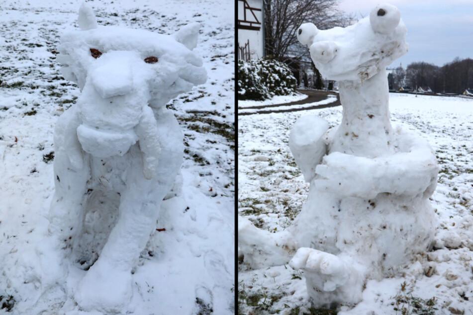 """Die """"Ice Age""""-Figuren Diego, der Säbelzahntiger (links) und Faultier Sid (rechts) aus Schnee sind ein echter Hingucker im Callenberger Ortsteil Grumbach."""