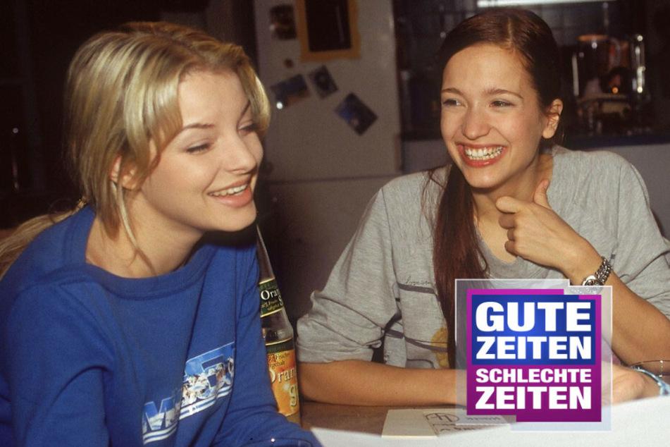 Lena Bachmann (Uta Kargel) unterhält sich mit Julia Blum (Yvonne Catterfeld)