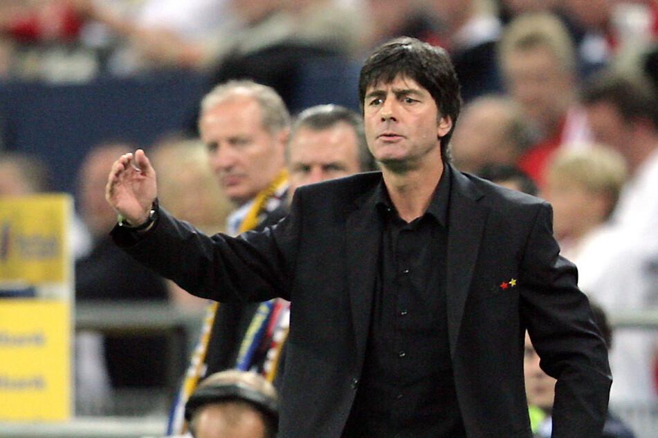 2006 übernahm der Schwarzwälder die Nationalelf als Cheftrainer.