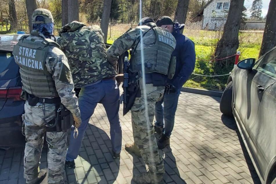 Im Zusammenhang mit dem gefundenen Diebesgut wurden auch mehrere Festnahmen in Polen getätigt.