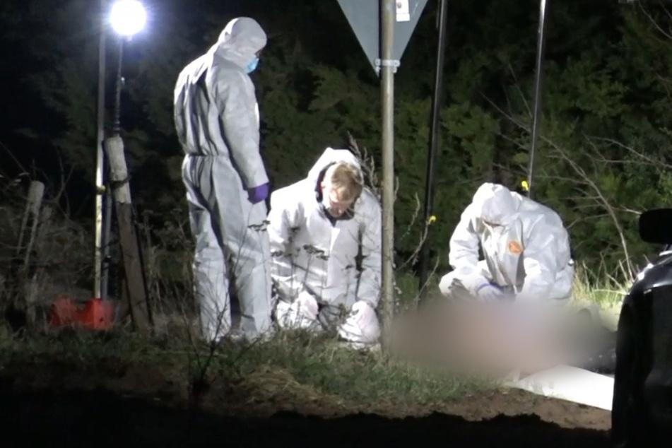 Leiche auf Feldweg gefunden: Polizei geht von Gewaltverbrechen aus