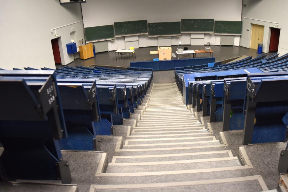 Veranstaltungen und Prüfungen werden im Sommersemester überwiegend im Internet stattfinden.