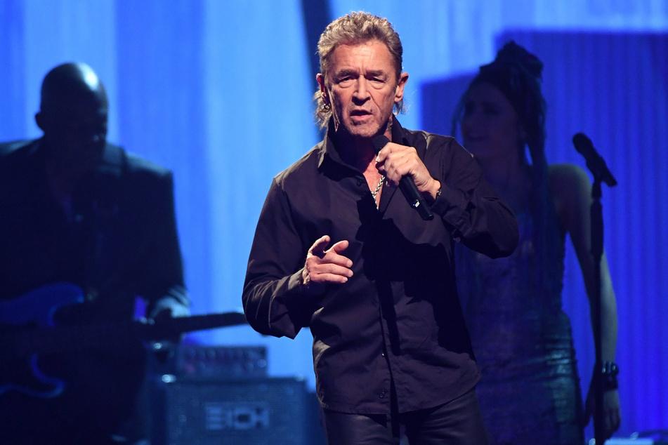 """Rocklegende Maffay will zusammen mit der """"Die Höhle der Löwen""""-Jurorin den Song """"Über sieben Brücken"""" performen."""