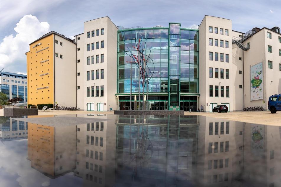 In der Stadtbibliothek von Chemnitz soll ein neuer Projektraum entstehen. Für die Umsetzung stellt der Bund rund 175.000 Euro bereit (Archivbild).