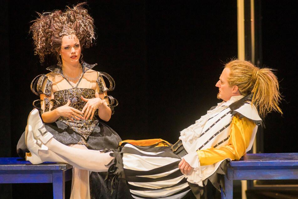 """Der Musicalstar (mit Holger Uwe Thews, 47) in """"Kiss Me, Kate"""" an den Landesbühnen. Nächste geplante Aufführung: 4. Dezember."""