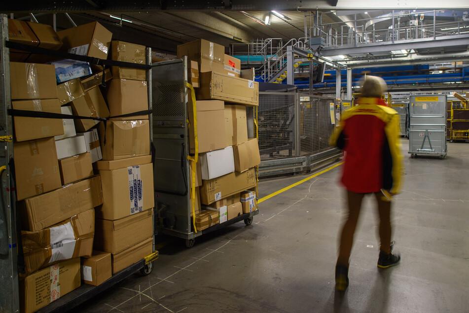 Der Konzerngewinn der Deutschen Post DHL lag im ersten Quartal dieses Jahres bei 1,2 Milliarden Euro und damit viermal so hoch wie im Vorjahreszeitraum. (Symbolfoto)
