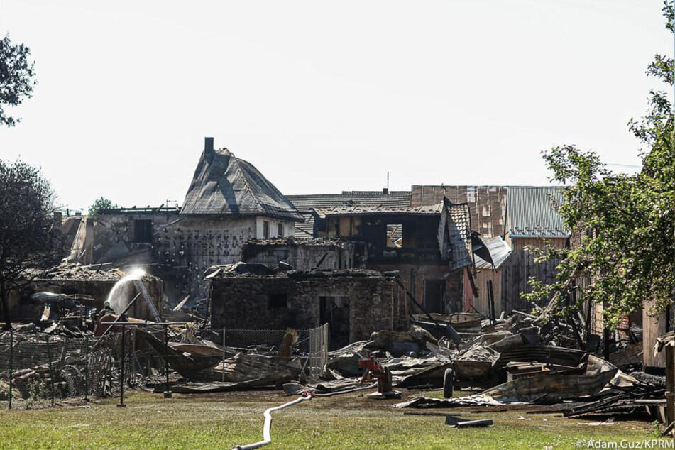 Das Hab und Gut zahlreicher Bewohner in Nowa Biała wurde bei dem Feuer vernichtet. Etliche Gebäude brannten nieder.