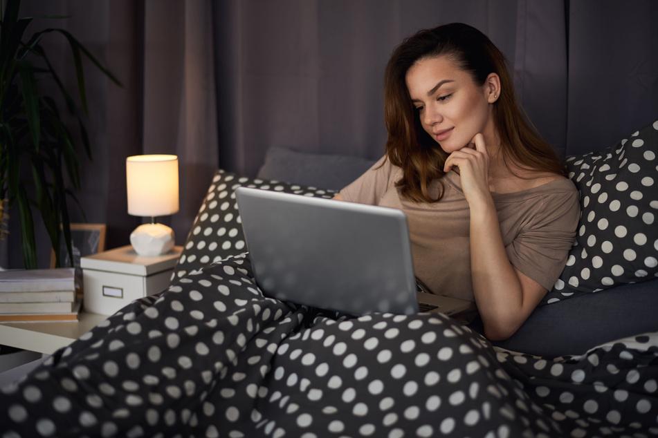 Singles im Lockdown haben es schwer. Aber online lässt es sich mit genügend Abstand ganz ungeniert flirten.