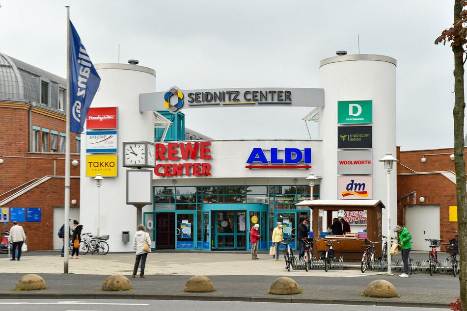 Im Komplex des Seidnitzcenter ist auch das Jugendamt untergebracht. Von dort klaute der Einbrecher Technik.