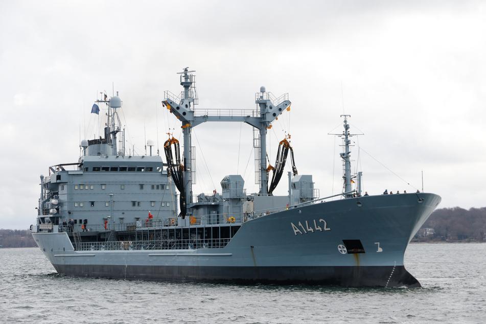 Die Hauptaufgabe der 'Spessart' wird das Betanken sowie die Versorgung mit Frischwasser und Betriebsstoffen der anderen Schiffe der SNMG 2 sein.