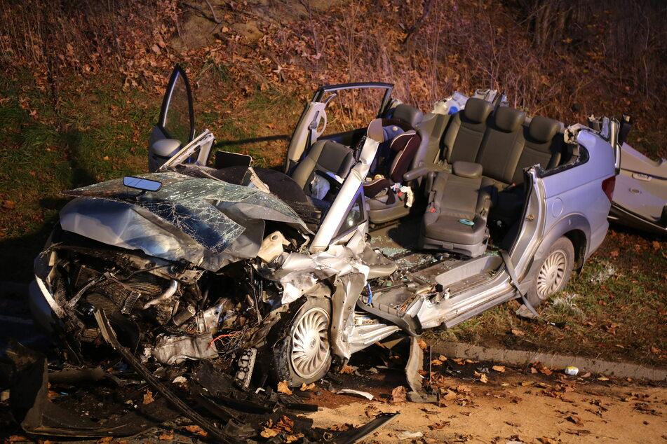 Großfamilie bei Horror-Crash verunglückt: Sieben Verletzte, darunter vier Kinder
