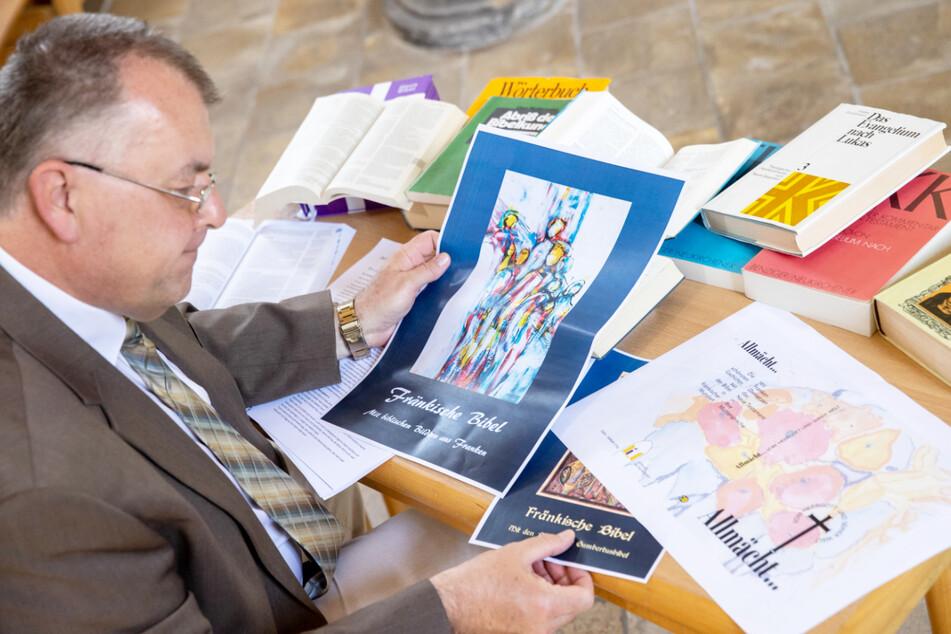 In der fränkischen Bibel werden sich die einzelnen Abschnitte aufgrund der variierenden Mundarten mitunter voneinander unterscheiden.