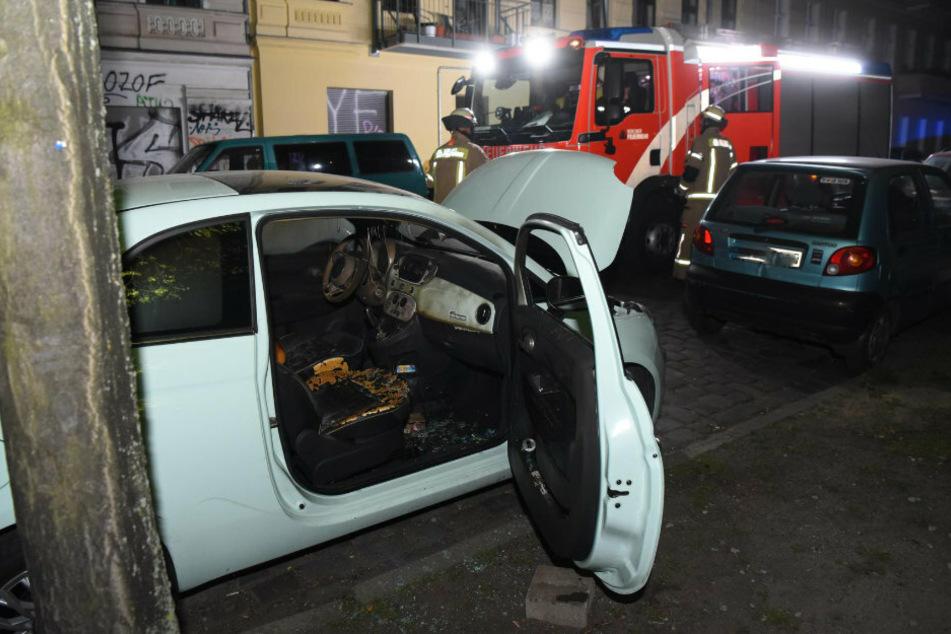 Berlin: Auto angezündet: Polizei ermittelt wegen Brandstiftung