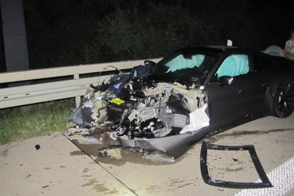 Auch dieser Porsche war in den Unfall verwickelt.