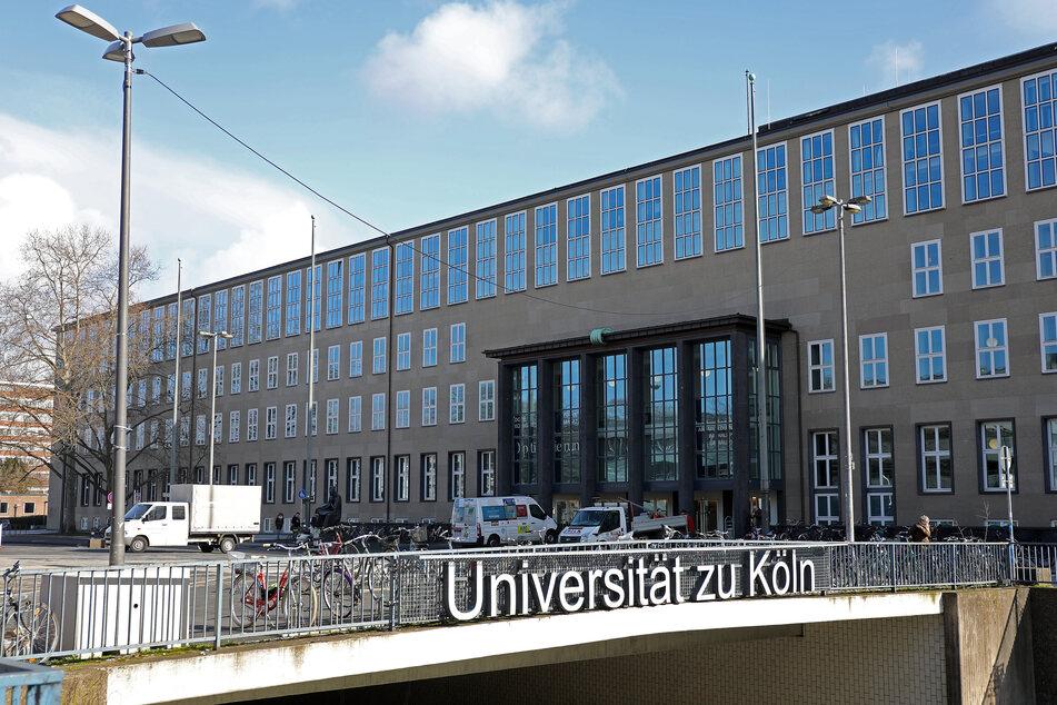 Im Landeshaushalt ist für die Jahre 2018 bis 2022 insgesamt eine Milliarde Euro zur Sanierung der Hochschulen vorgesehen.