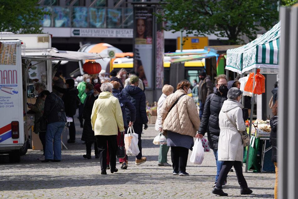 Die Corona-Inzidenz in Berlin ist erstmals seit langem unter 100 gesunken.