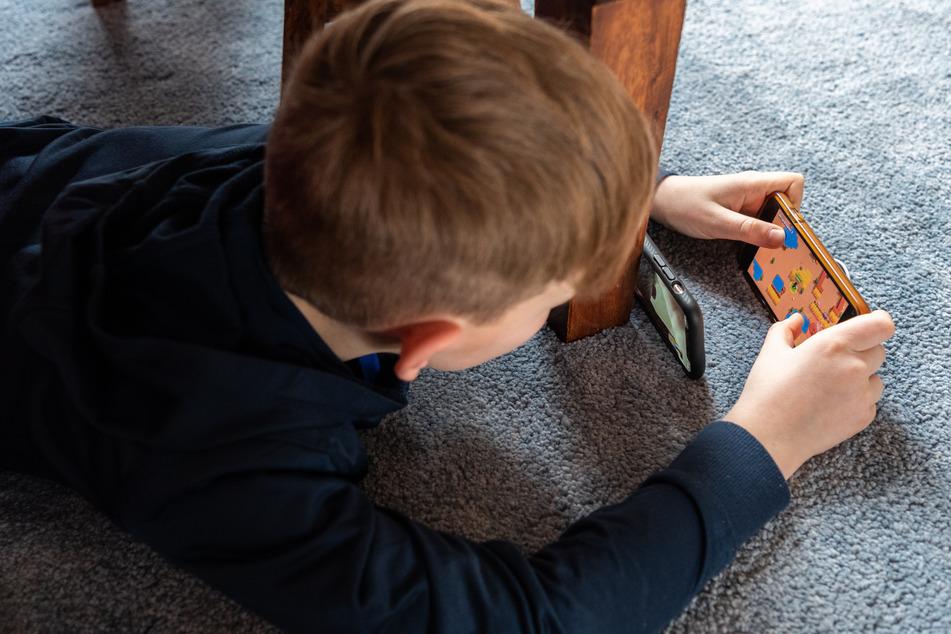 Der Junge nahm bei einem Spiel In-App-Käufe in Höhe von insgesamt 2753,91 Euro vor. (Symbolbild)