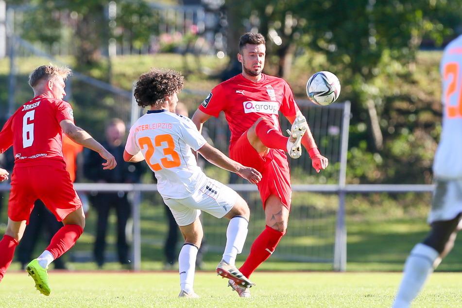 Davy Frick (am Ball) nahm mit dem FSV die Hürde Inter Leipzig.