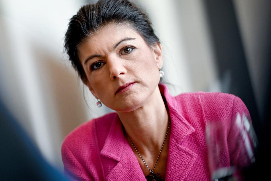"""Mit ihrem Buch """"Die Selbstgerechten"""" war Sahra Wagenknecht (51, Die Linke) jüngst massiv in den eigenen Reihen in die Kritik geraten."""