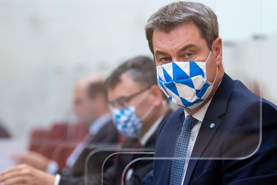 Die Maskenpflicht im bayerischen Landtag bleibt auch weiterhin bestehen. (Archiv)