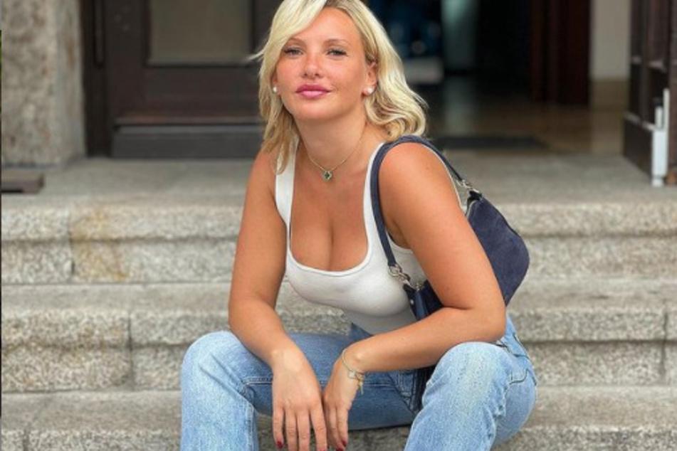 Dodatkowe kilogramy czy nie: Kultowa blondynka zawsze świetnie wygląda w swoim wyglądzie i rzadko jest skąpa w swoim kobiecym uroku.