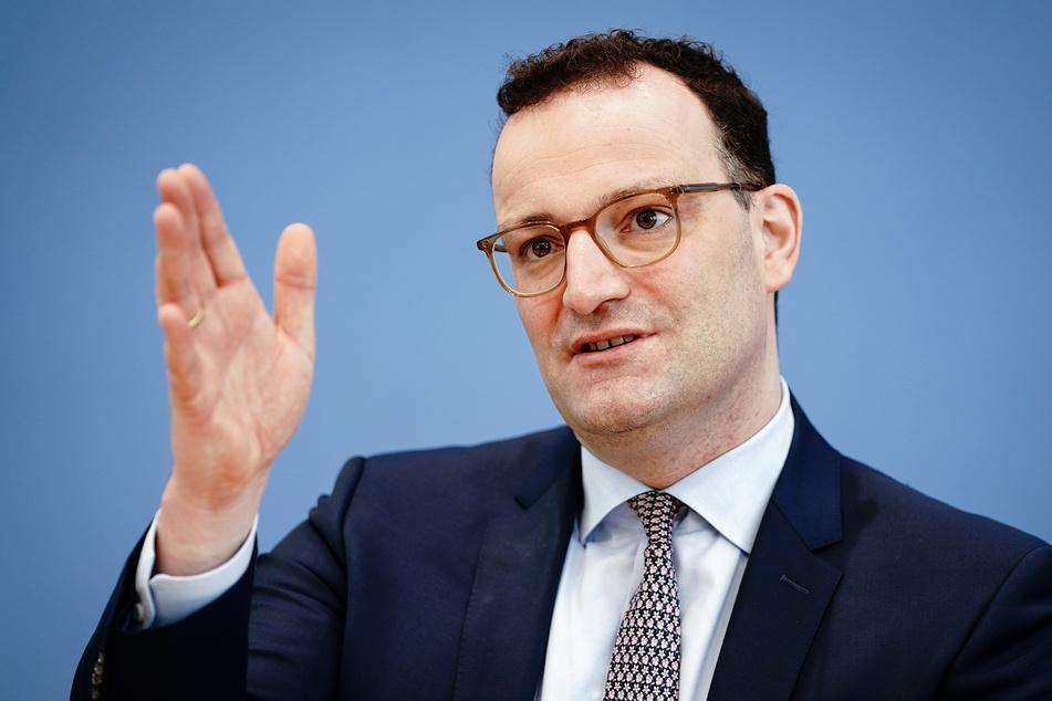 Jens Spahn (40, CDU), Bundesminister für Gesundheit, zeigt sich optimistisch, dass bundesweite Erleichterungen für Geimpfte und Genesene bald möglich werden.