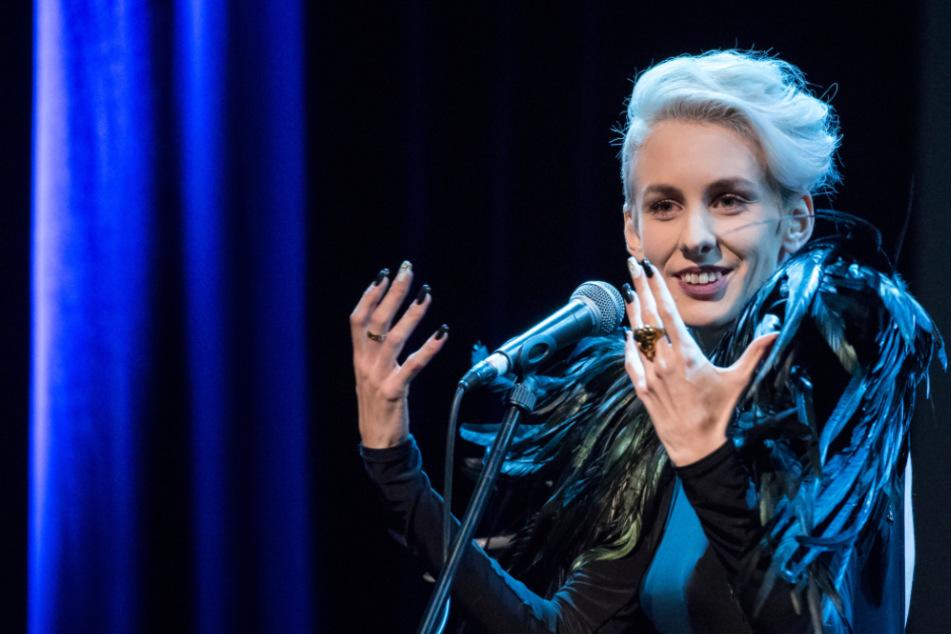 Lisa Eckhart hat ihre Teilnahme am Festival in Hamburg abgesagt. (Archivbild)